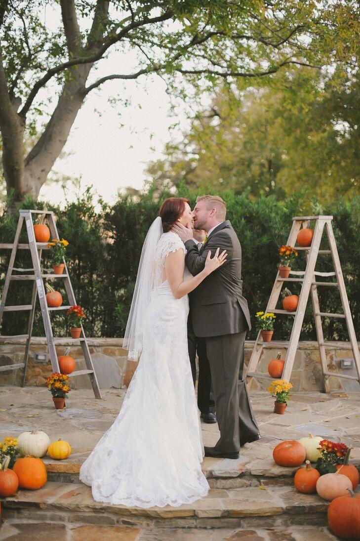 A Howell Family Farms Wedding in Arlington, Texas
