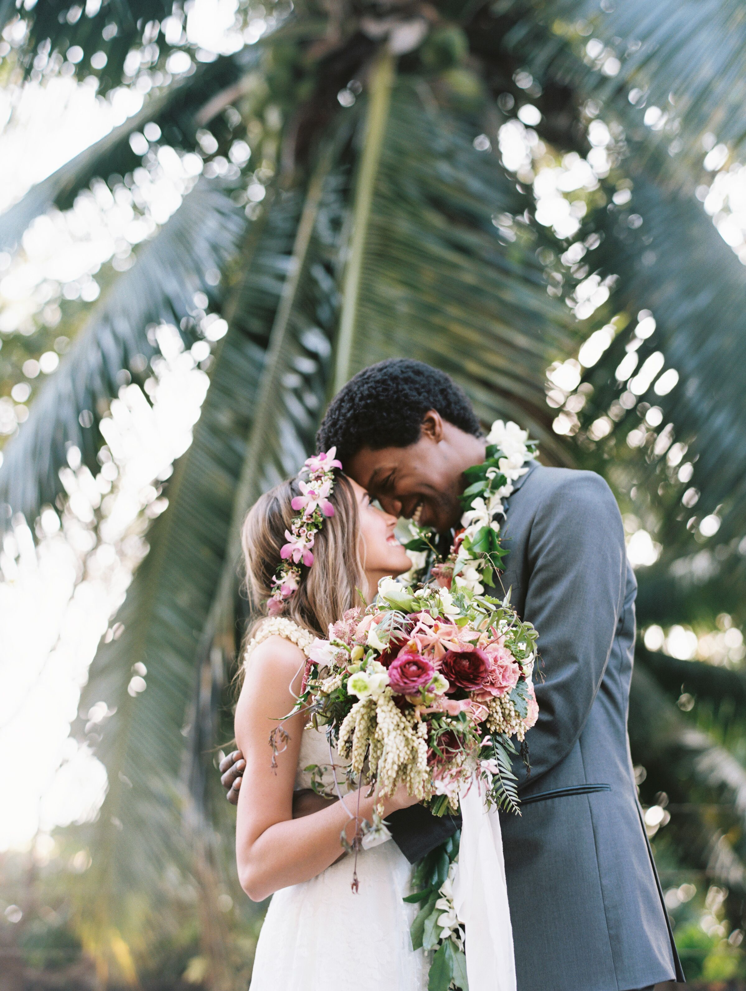 an intimate  tropical wedding at the sugarman estate in