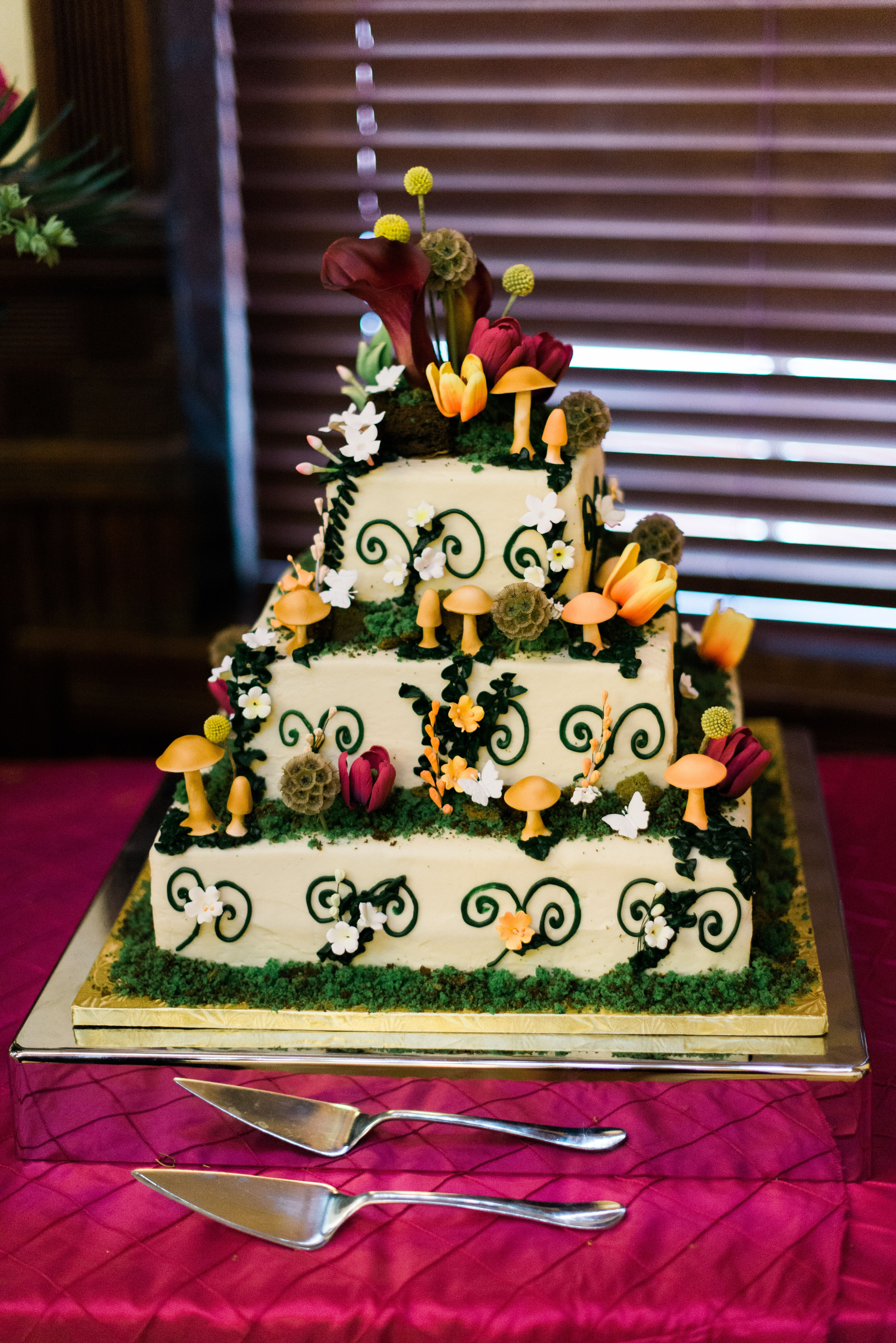 Natural Wedding Cake   Enchanted Forest Natural Wedding Cake