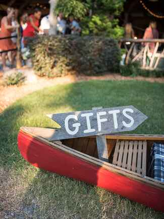 Lakeside decor for a rustic camp wedding