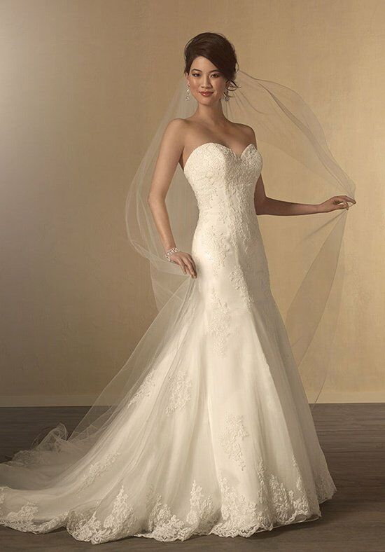Alfred Angelo Signature 2438 Wedding Dress photo