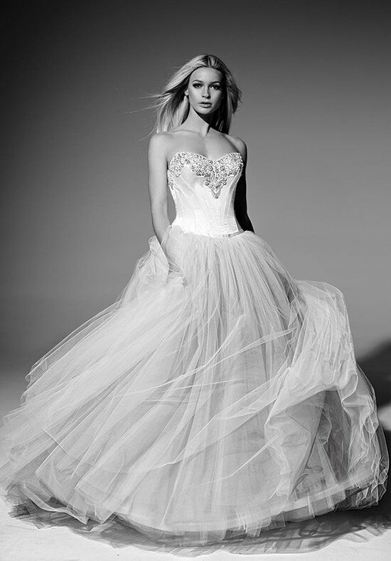 Victor Harper Couture VHC261 Wedding Dress photo