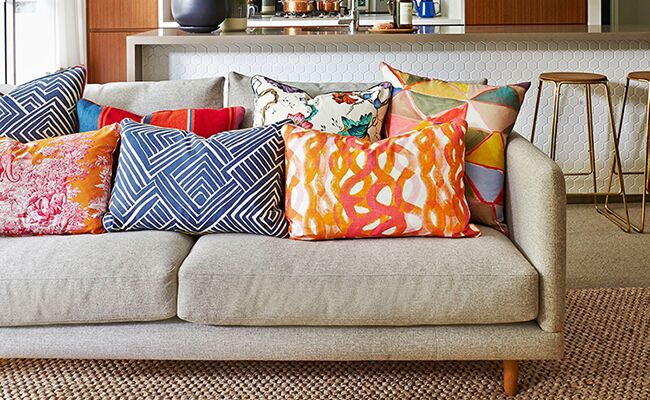 3 quick makeover tips to revive your boring sofa - Simple ways of revamping your old sofa ...