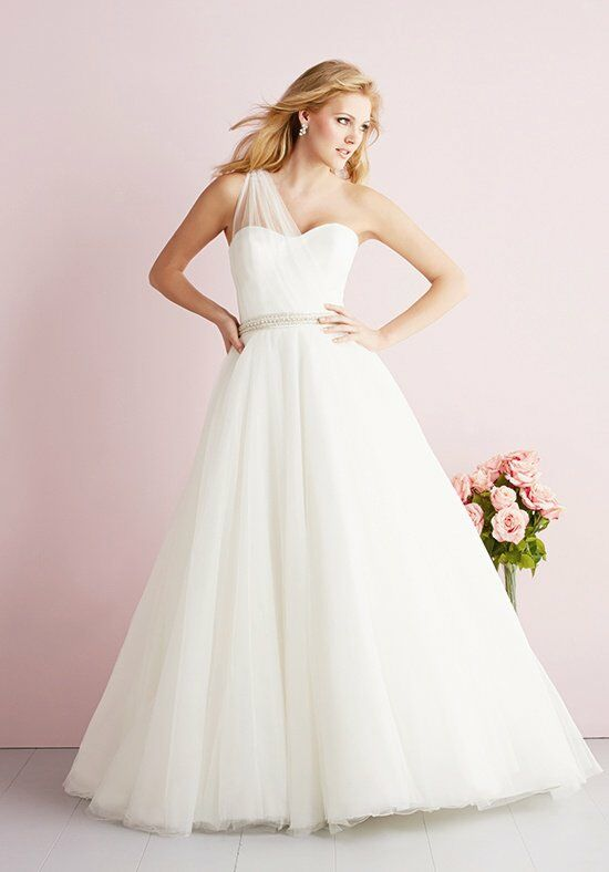 Allure Romance 2702 Wedding Dress photo