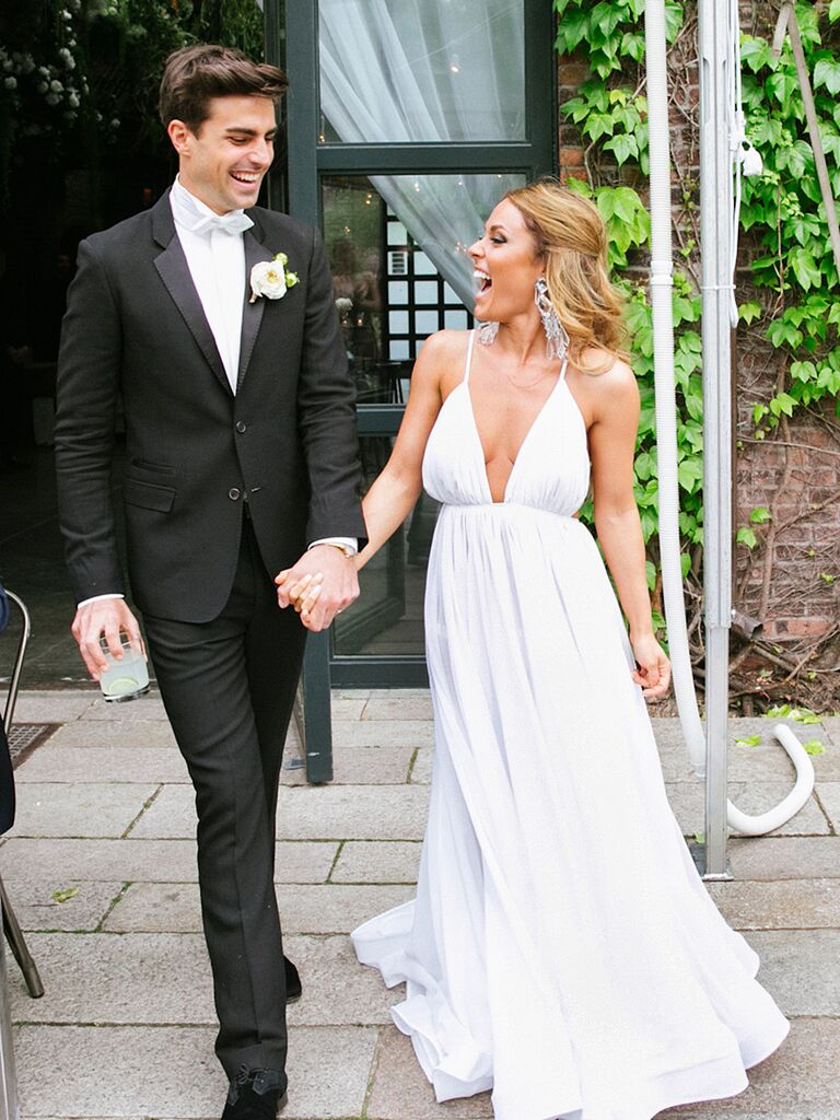 15 Simple (But Gorgeous!) Wedding Dresses
