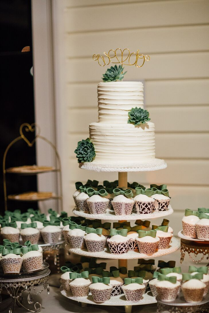 Top of the Toppers   Wedding Cakes   CHWV