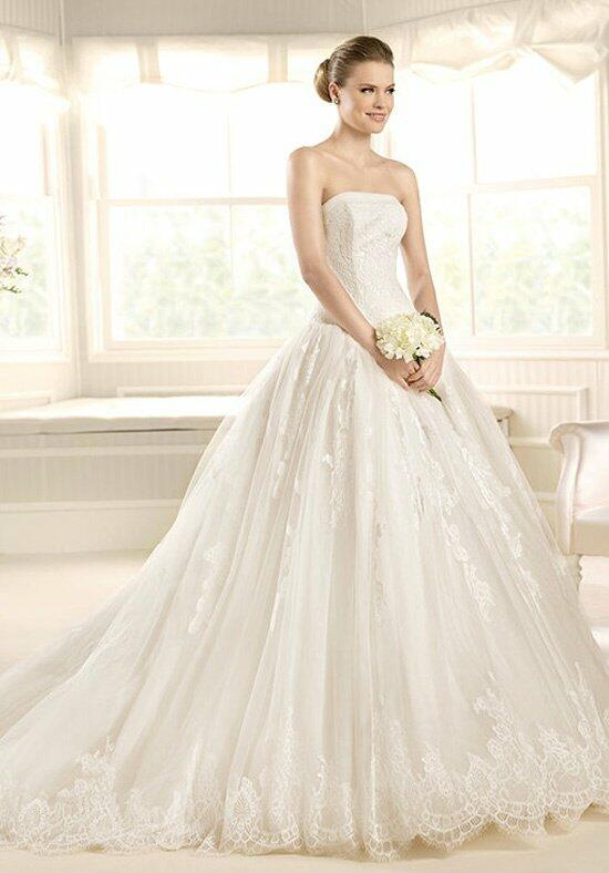 LA SPOSA Medalla Wedding Dress photo