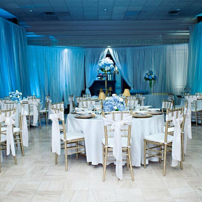 Blue Wedding Decoration Ideas: Blue And White Reception Decor