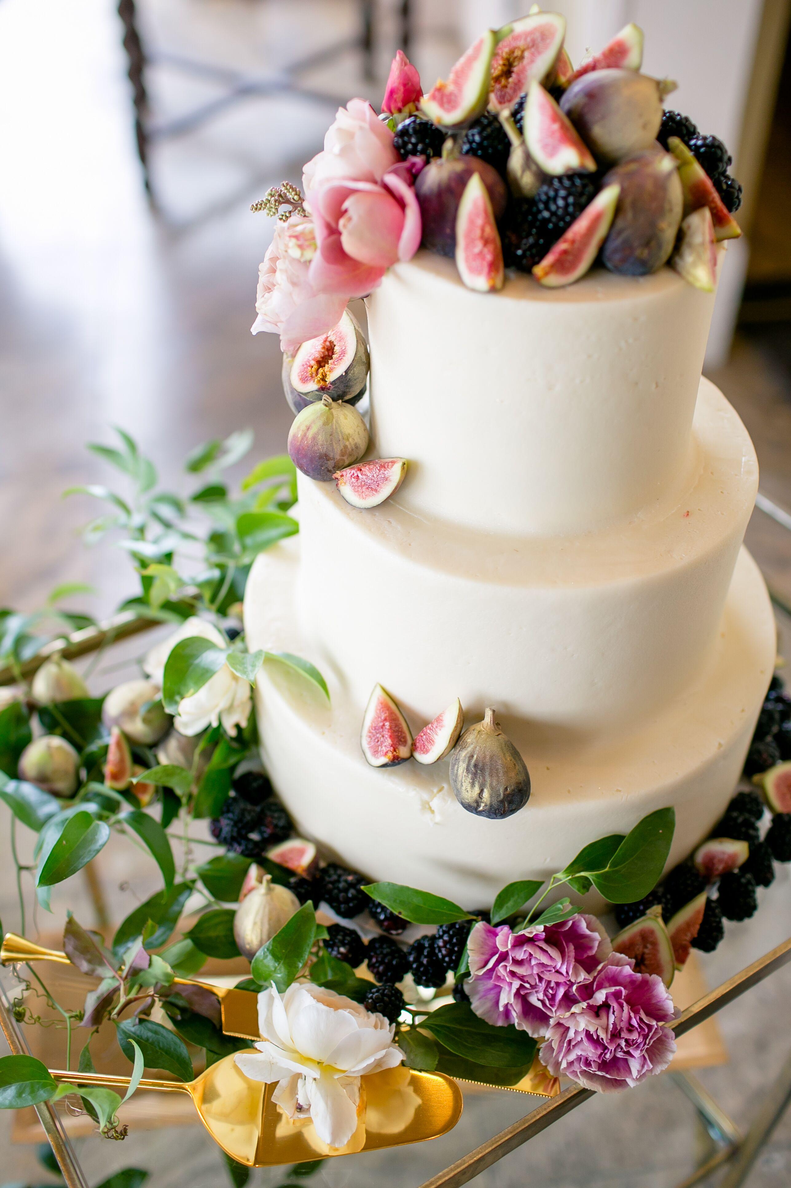 A Fig-Adorned Wedding Cake
