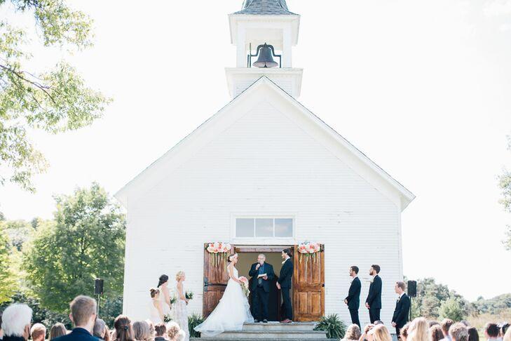 Little white chapel in michigan junglespirit Images