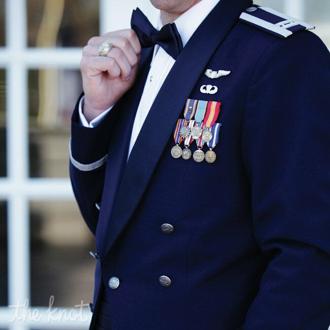 Military mess dress for Air force decoration guide