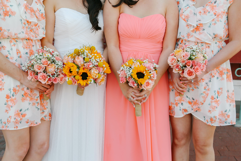 A Sunflower-Inspired Wedding at Glen Tavern Inn in Santa Paula ...