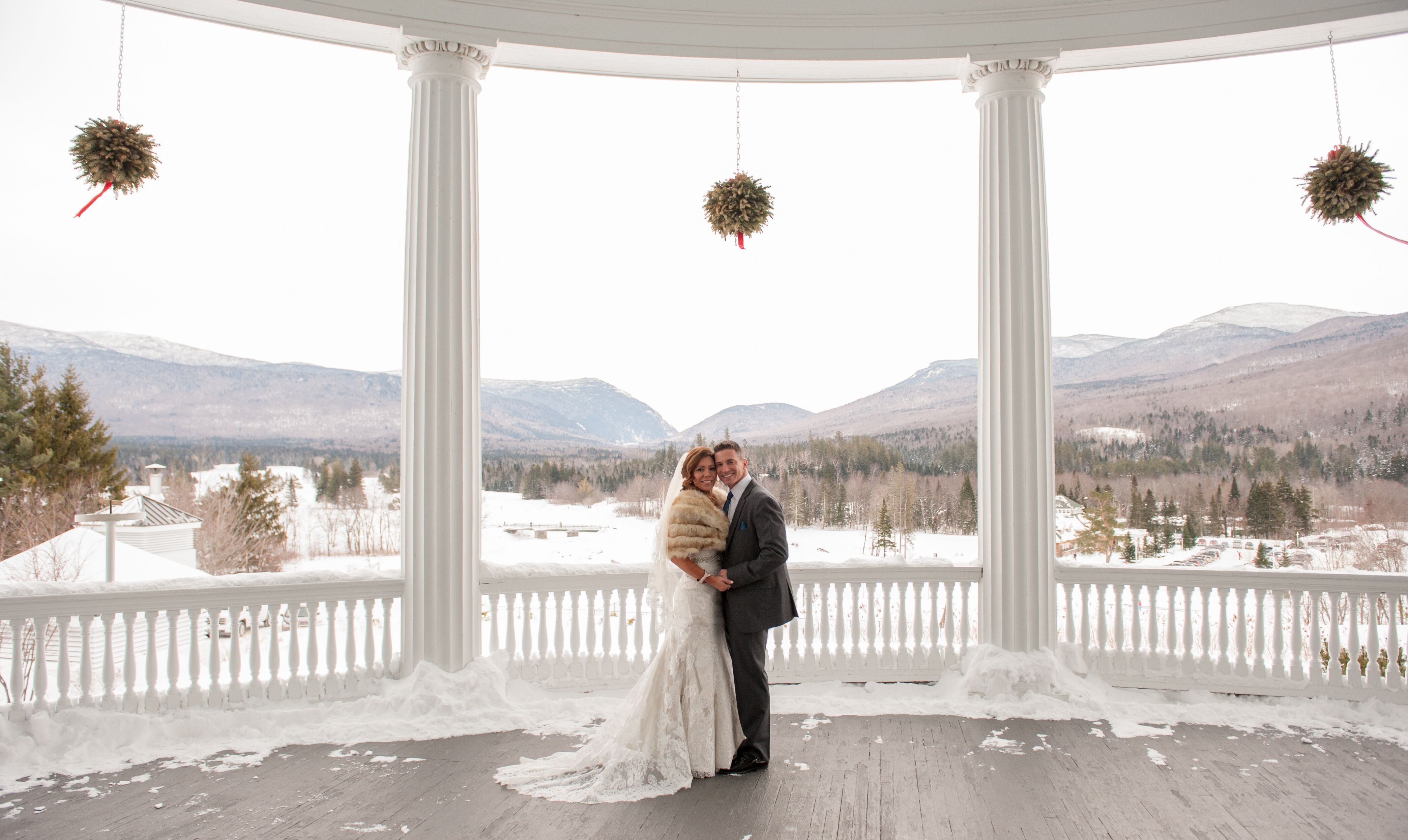 An Old Hollywood Winter Wedding at Omni Mt. Washington Hotel ...