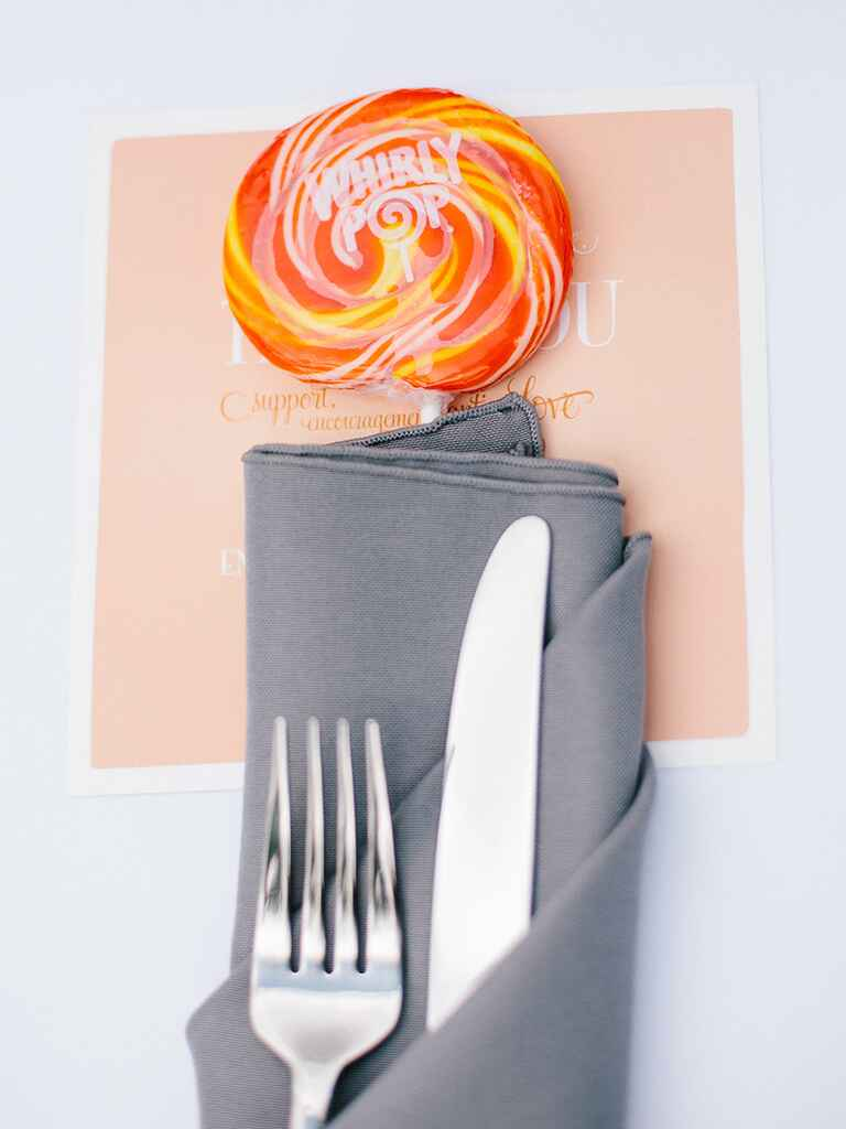 Creative edible wedding favor idea