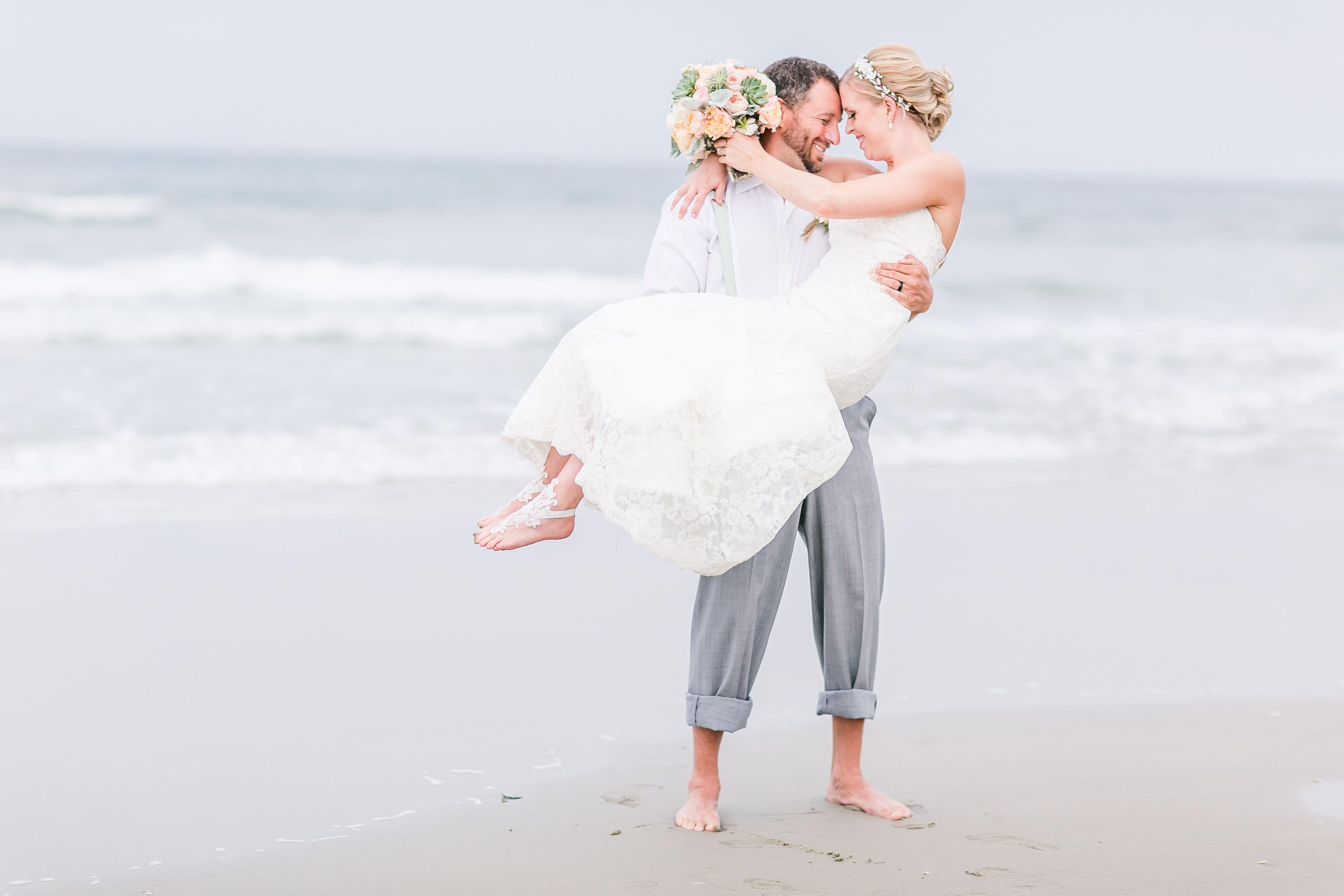 Beach wedding photos a laid back beach wedding at wild horse at swan island estates in corolla north carolina junglespirit Gallery