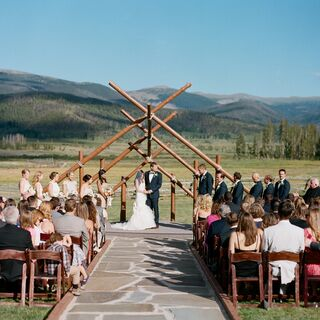A Sophisticated Mountain Wedding in Tabernash