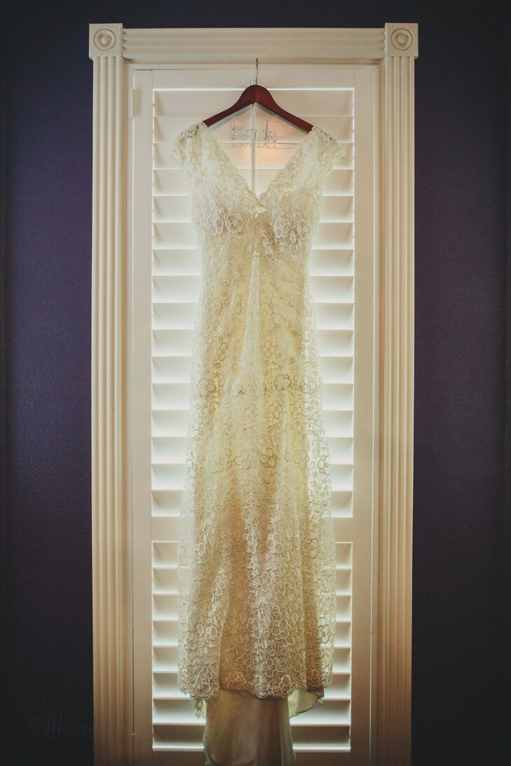 Vintage inspired ivory lace wedding dress in austin texas for Vintage wedding dresses austin