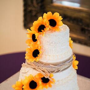 Sunflower wedding cakes a sunflower wedding cake junglespirit Gallery