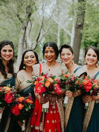Bridal party must have photo to take at your wedding