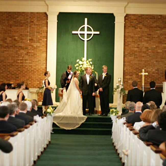 Preacher Wedding Altar: Becky & Ben: A Traditional Wedding In Greensboro, NC