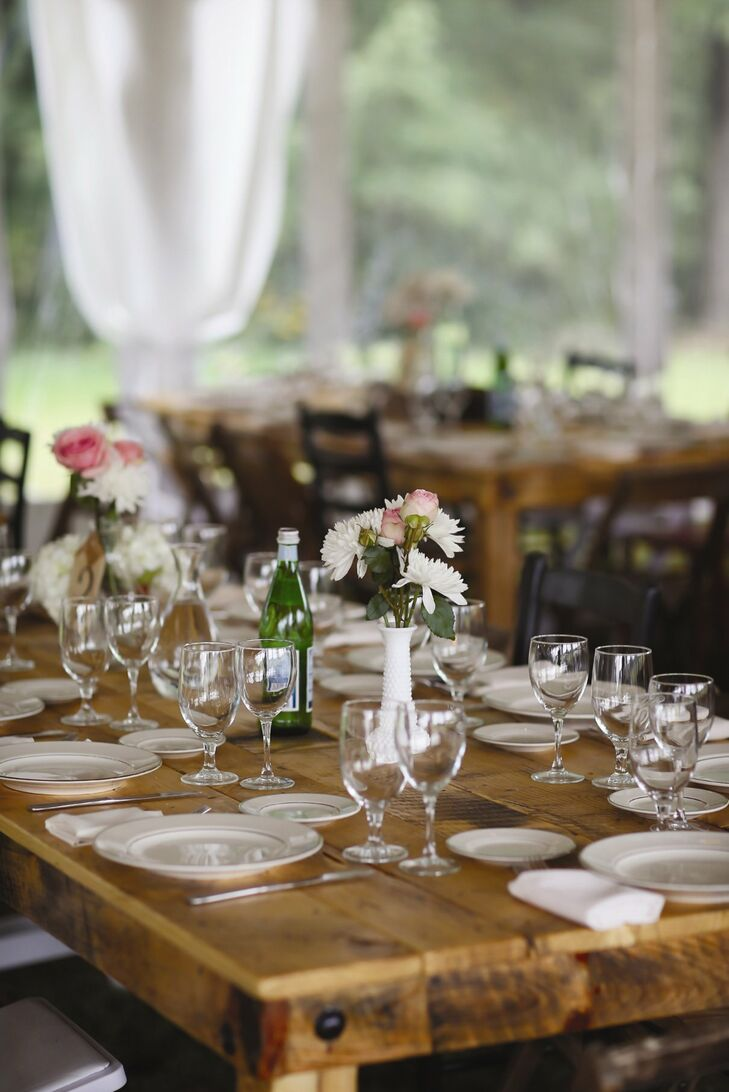 What To Put On Your Farm Table to Make Your Wedding ... |Farmhouse Table Wedding Reception