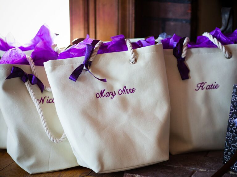 bridal shower gift tips