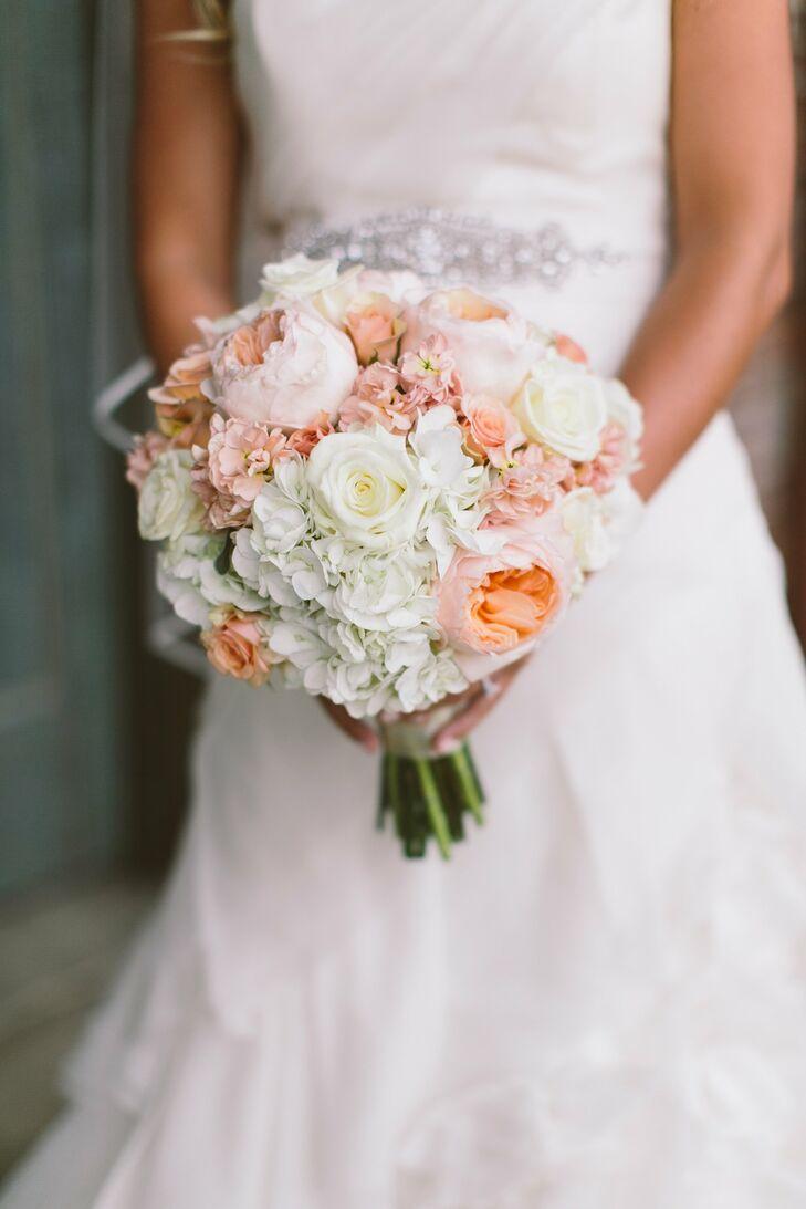 A romantic modern wedding in jackson ms 970605aa 4906 d590 3180 5a0c4f73db8drs 729 ombrellifo Gallery