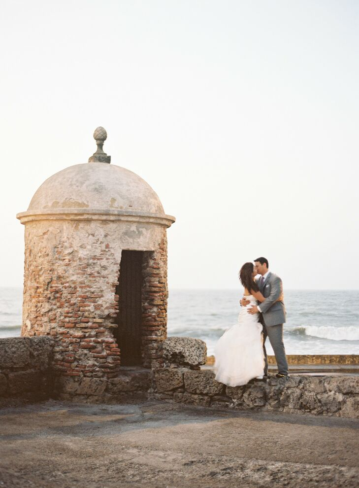 A Modern Destination Wedding At Torre Reloj In Cartagena Colombia