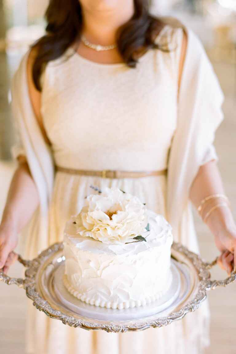 making wedding cake diy wedding cake tips preserving your top wedding cake tier 17065