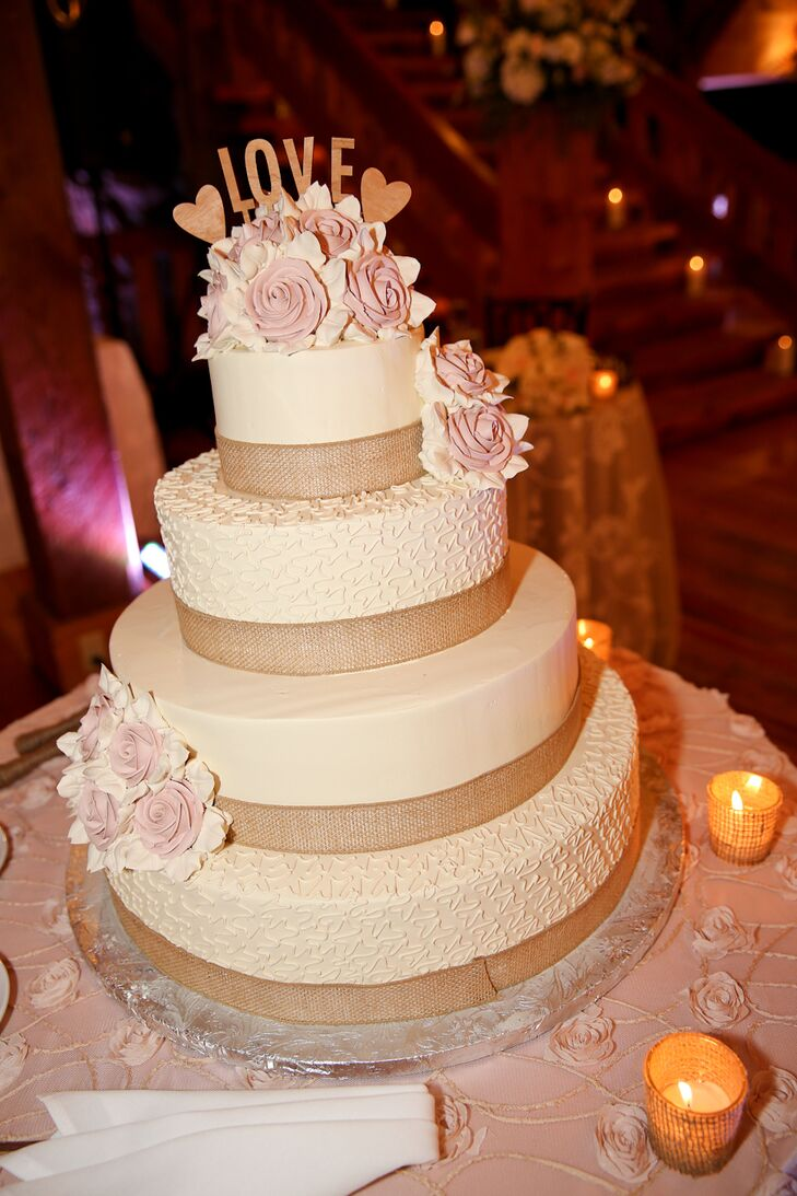 4 tier wedding cake with sugar flowers four tier burlap and sugar flower wedding cake 10425