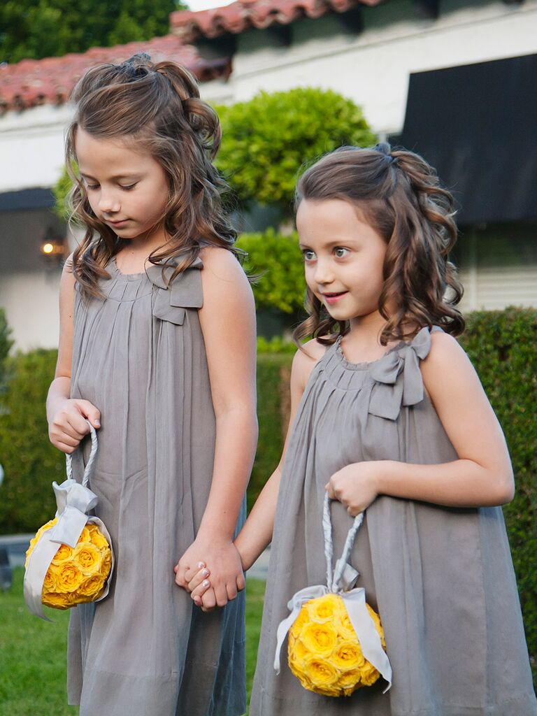 Flower Girl Hairstyles easy curly hairstyle for flower girls Easy Curly Hairstyle For Flower Girls