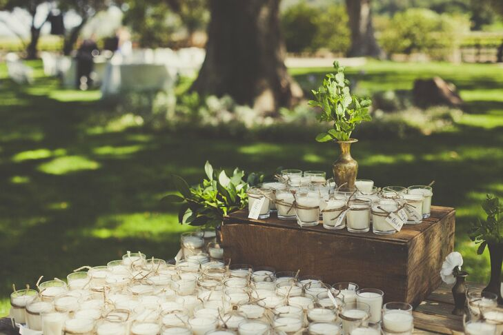 Each guest took home a ivory candle—a simple and beautiful yet practical favor.