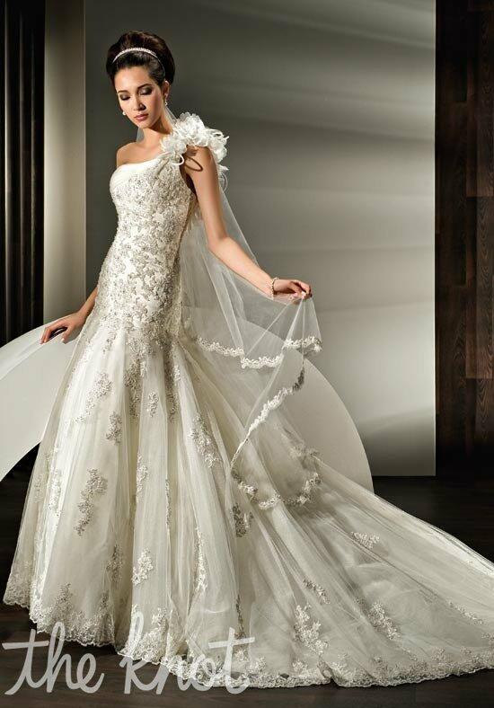 Demetrios 1431 Wedding Dress photo