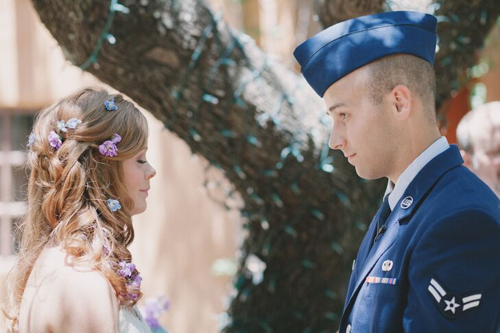 Real Enchanted Garden Wedding Kelly Steve: An Elopement At Trois Estate At Enchanted Rock In
