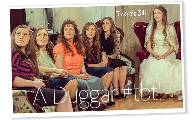 A Special Wedding Gift For Jessa : Jill Duggar tries on her wedding dress with her family