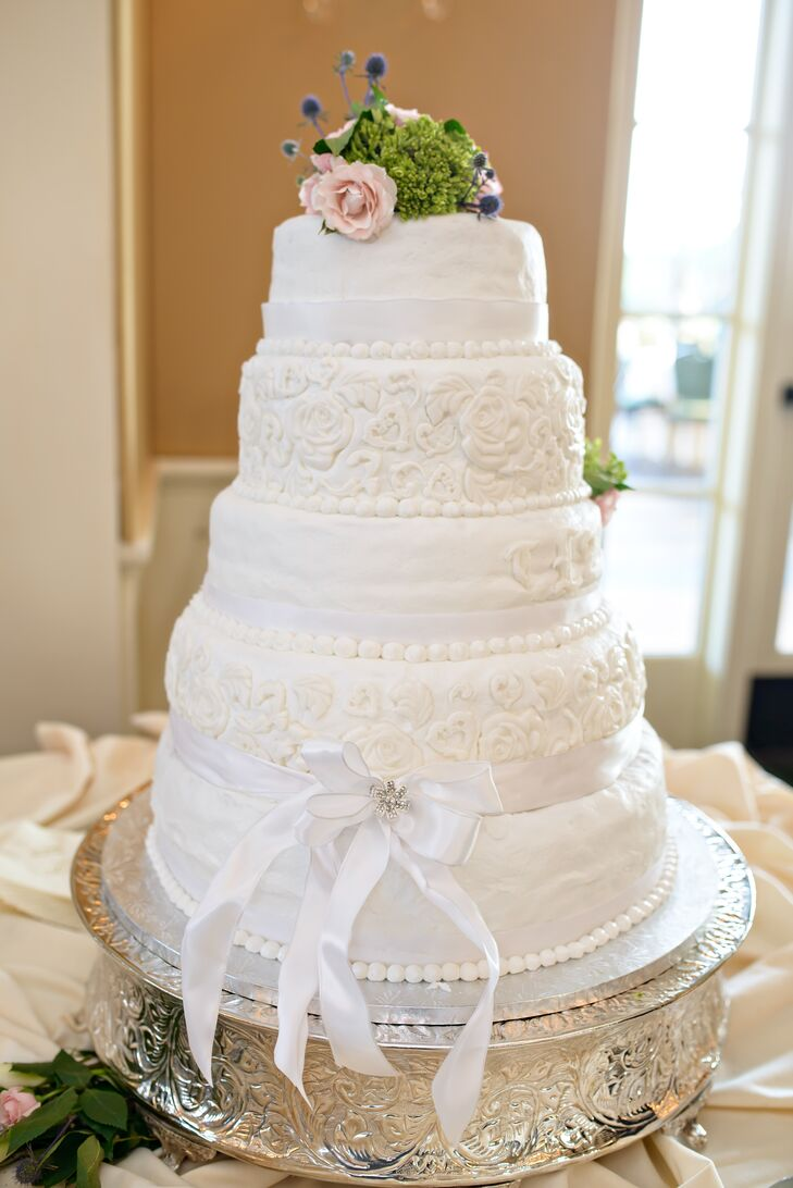 wedding cake top tier tradition traditional five tier wedding cake 26676