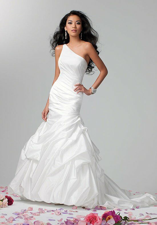 Alfred Angelo Signature 2385 Wedding Dress photo