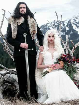 Game of Thrones–inspired wedding bride and groom