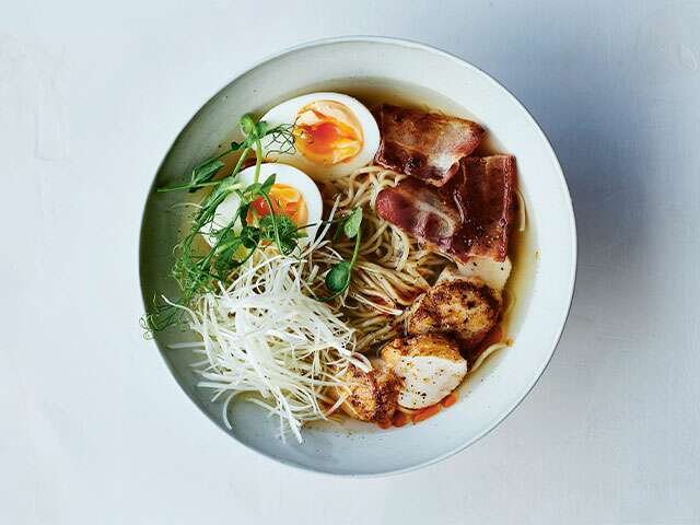 Recipes ramen with scallops bacon and eggs recipe forumfinder Image collections