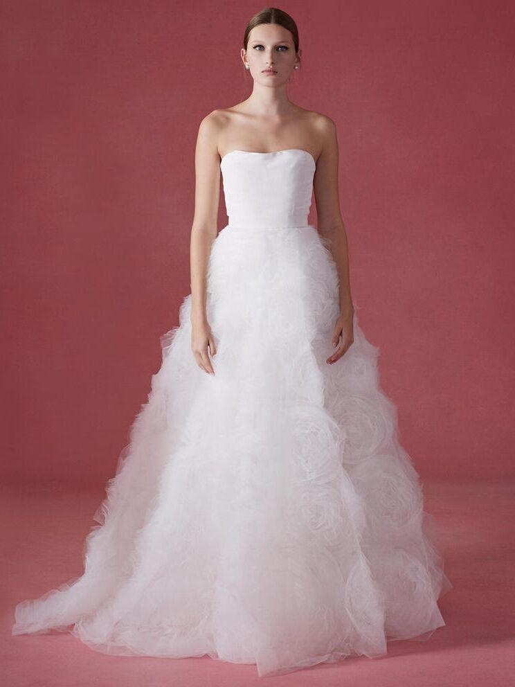 Oscar De La Renta Wedding Dresses.Oscar De La Renta Fall 2016 Collection Wedding Dress Photos
