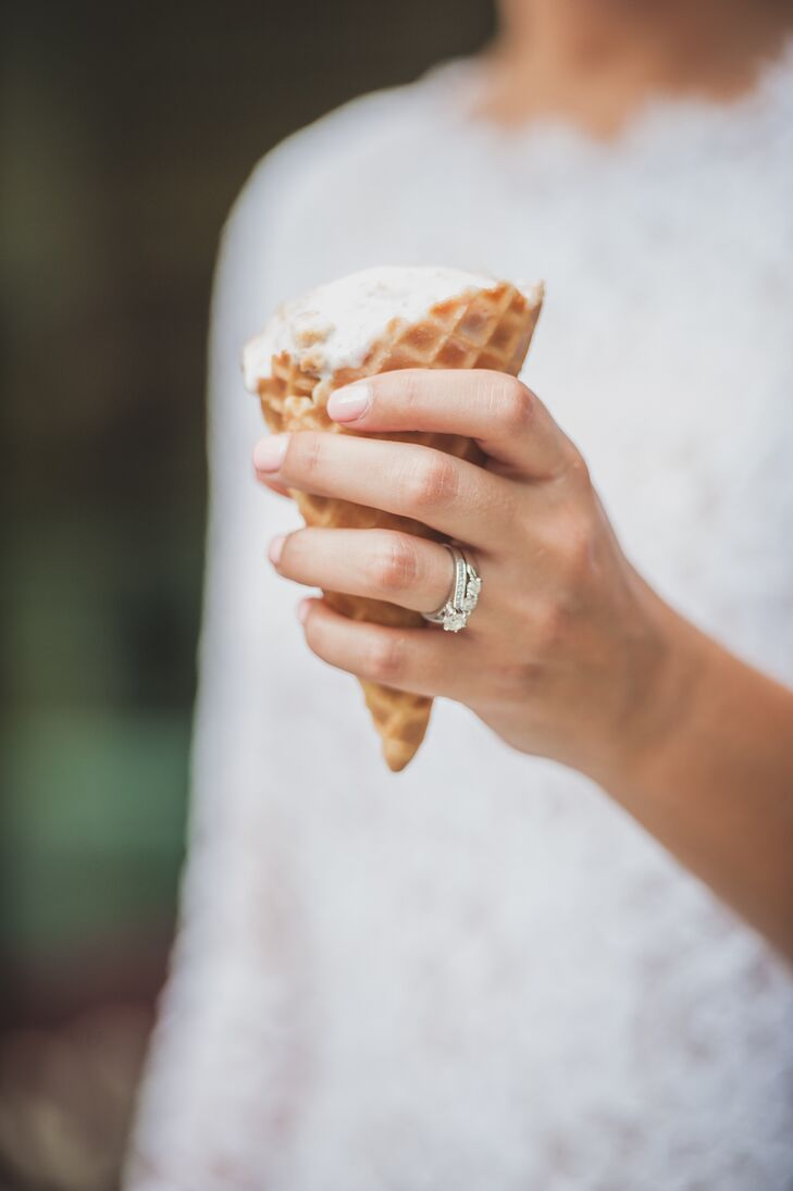In lieu of a reception, the couple decided to tour the island with Margeaux Boles Photography and take a few pictures as they enjoyed their wedding day. Danielle and Brian stopped at a local ice cream shop and shared a cone of salted caramel ice cream and a chocolate-covered pretzel for dessert.