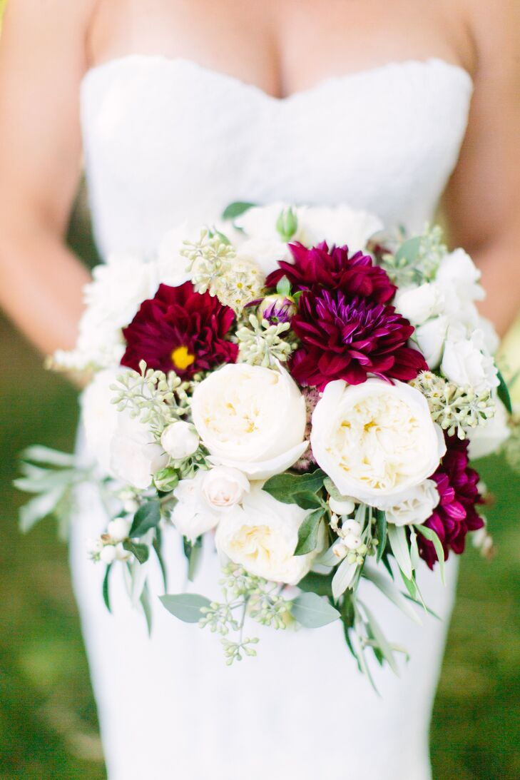 Wedding Bouquet Burgundy : Burgundy and white bridal bouquet