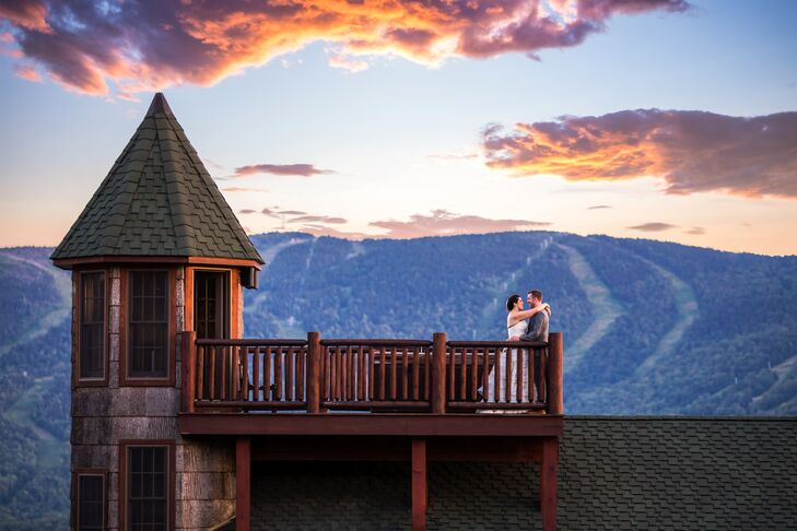 "April Nash (28, a Student) and Barry Murphy (31, a Financer) held their wedding in the mountains at SkiEsta in Newry, Maine. ""We wanted a place we cou"
