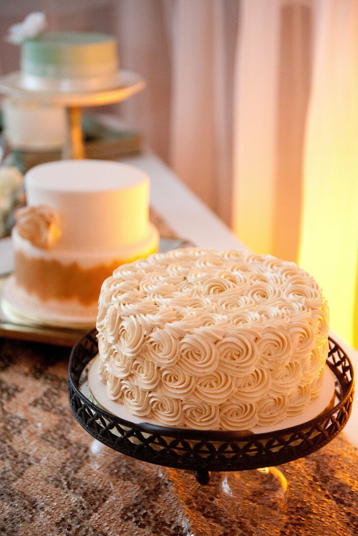 White Rose Swirl Cake