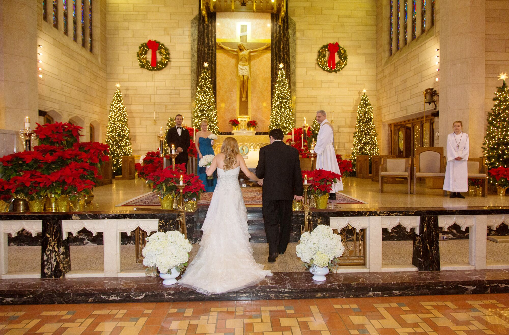 winter wedding ceremony at st paul s roman catholic church