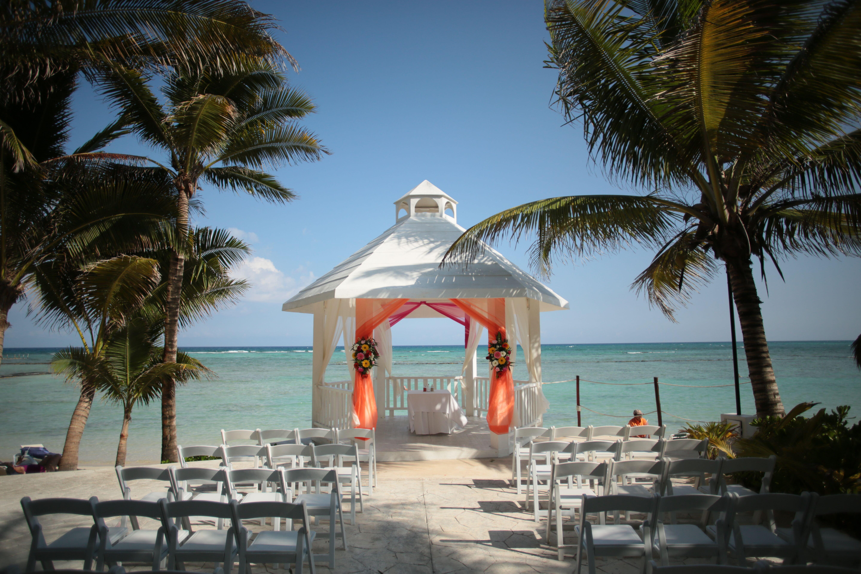Waterfront Wedding Venue at El Dorado Seaside Suites