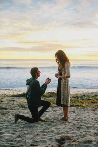 Beach vacation marriage proposal