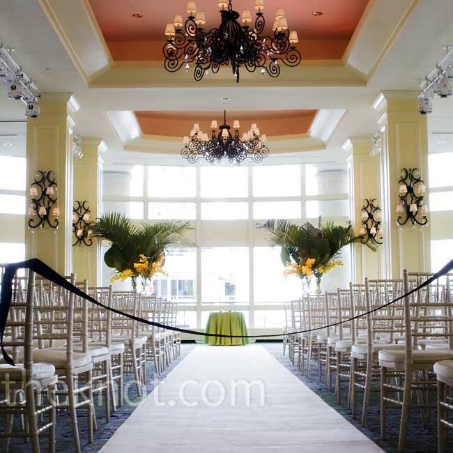 Indoor Wedding Ceremony Brampton: An Indoor Wedding In Boston, MA