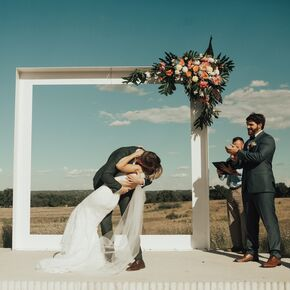 Diy wedding arches contemporary white wedding arch solutioingenieria Images
