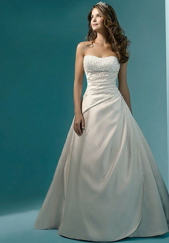Alfred Angelo Signature 1136 Wedding Dress photo